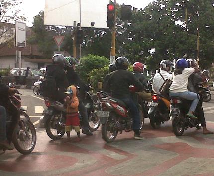 """""""anjal di Bandung"""""""